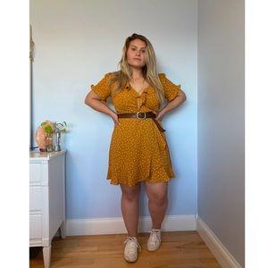 Gold polka dot wrap dress 🌻